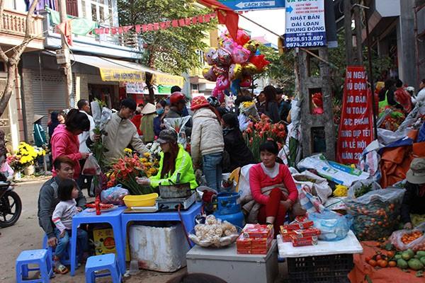 Phiên chợ Tết cuối năm của người dân Thạch Thất
