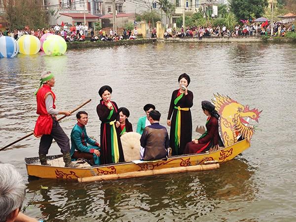 """""""Đặc sản"""" của bất kỳ nơi nào thuộc Bắc Ninh luôn là những làn điệu quan họ ngọt ngào, tha thiết gieo vào lòng người nhiều xúc cảm khác nhau. Bởi vậy mà vào năm 2009, UNESCO đã chính thức công nhận Dân ca quan họ Bắc Ninh là di sản phi vật thể đại diện của Nhân loại."""