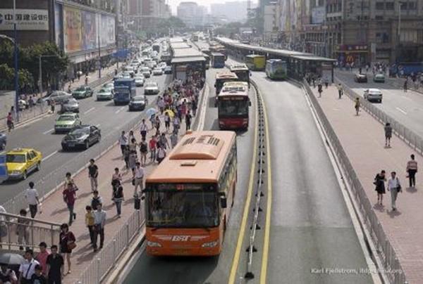 Buýt nhanh BRT Hà Nội và các nước ảnh 6