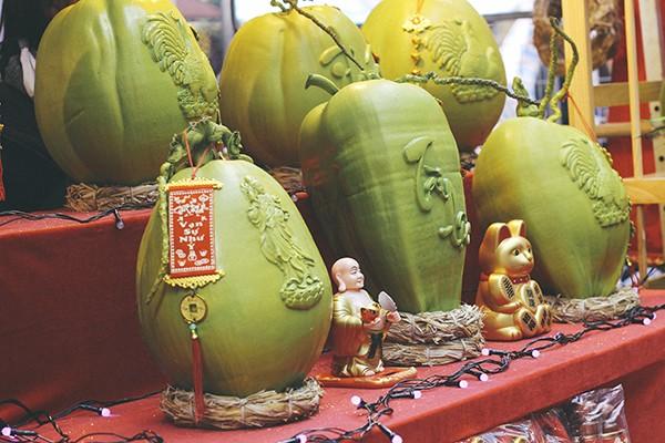 Một vòng chợ hoa Hàng Lược trước thềm Tết Đinh Dậu ảnh 8