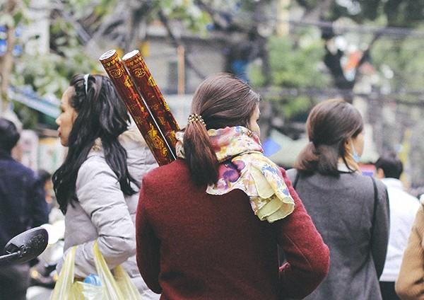Một vòng chợ hoa Hàng Lược trước thềm Tết Đinh Dậu ảnh 14