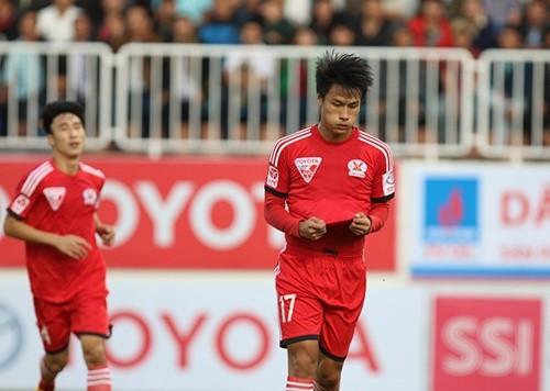 Mạc Hồng Quân ăn mừng bàn thắng đầu tiên cho Than Quảng Ninh ở V-League 2015 (Ảnh: VNE)