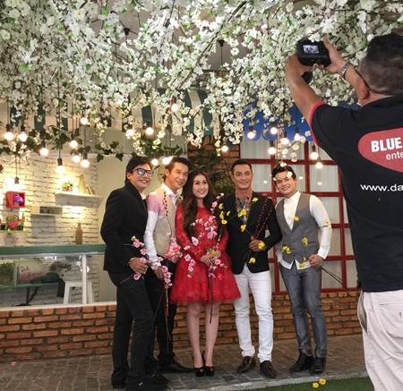 MC Kim Trang làm MV nhạc xuân tặng fan hâm mộ ảnh 6