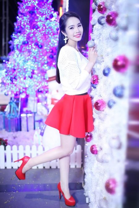 Dương Kim Ánh rạng ngời trong bộ ảnh đón Giáng sinh ảnh 8