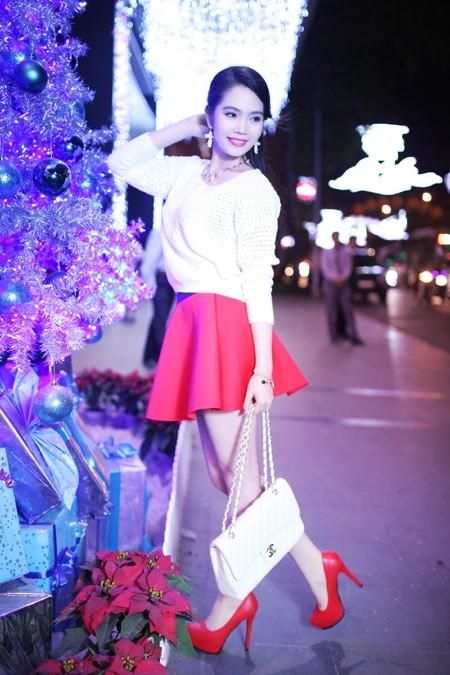 Dương Kim Ánh rạng ngời trong bộ ảnh đón Giáng sinh ảnh 1