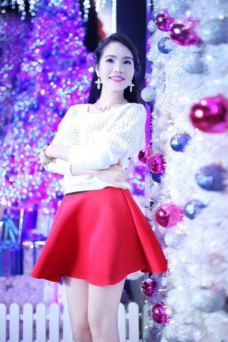 Dương Kim Ánh rạng ngời trong bộ ảnh đón Giáng sinh ảnh 4