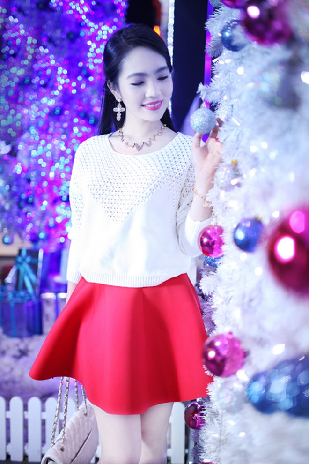 Dương Kim Ánh rạng ngời trong bộ ảnh đón Giáng sinh ảnh 3