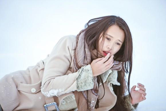 Top 5 Hoa hậu Ngọc Anh vật lộn trong tuyết lạnh ảnh 4