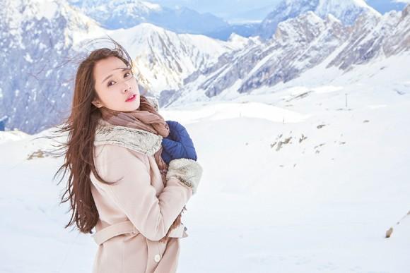 Top 5 Hoa hậu Ngọc Anh vật lộn trong tuyết lạnh ảnh 9