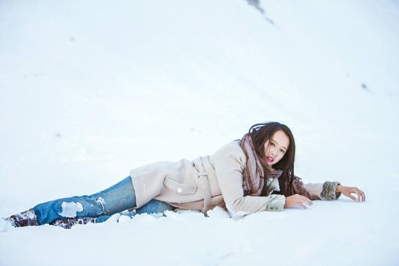 Top 5 Hoa hậu Ngọc Anh vật lộn trong tuyết lạnh ảnh 1
