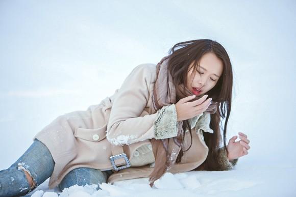 Top 5 Hoa hậu Ngọc Anh vật lộn trong tuyết lạnh ảnh 3