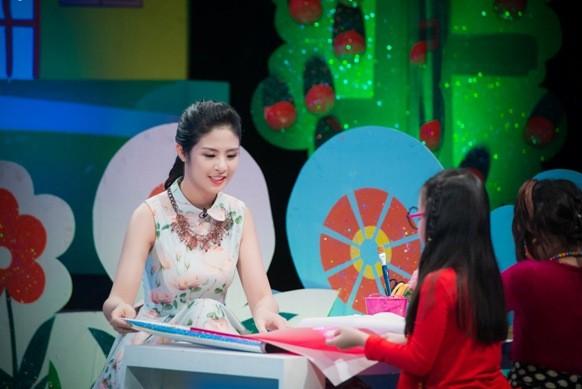 """Hoa hậu Ngọc Hân bật mí kỷ niệm ăn 2 """"bữa lươn"""" một ngày ảnh 5"""