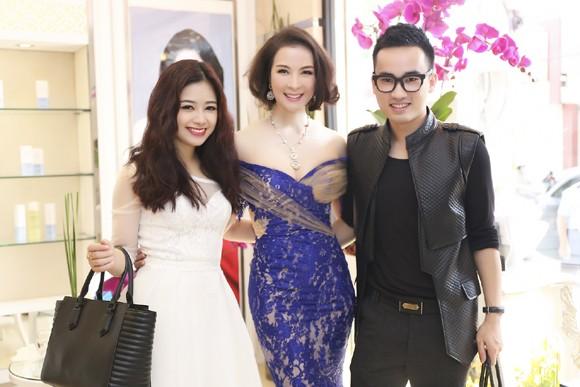 Dàn sao hội tụ chúc mừng MC Thanh Mai ảnh 3