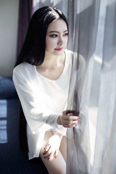 Hoa hậu Ngọc Anh cực cuốn hút trong bộ ảnh mới ảnh 2
