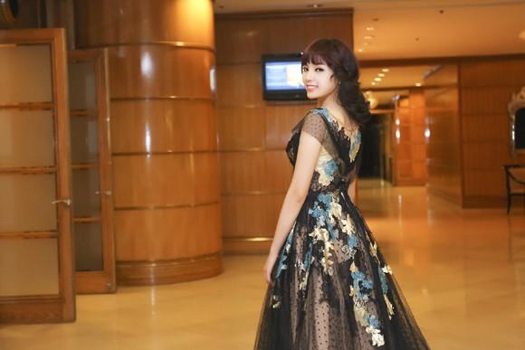 Hoa hậu Kỳ Duyên lộng lẫy với mái tóc mới ảnh 5