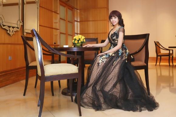 Hoa hậu Kỳ Duyên lộng lẫy với mái tóc mới ảnh 8