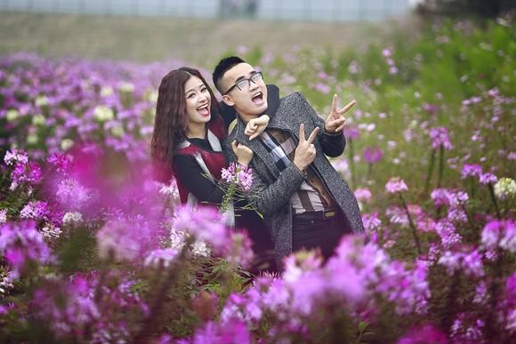 Cặp quán quân Hà Duy - Hoàng Yến lãng mạn giữa vườn hoa xuân ảnh 1