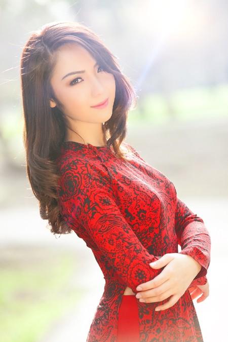 Hoa hậu Jennifer Chung khoe đường cong duyên dáng, gợi cảm ảnh 2