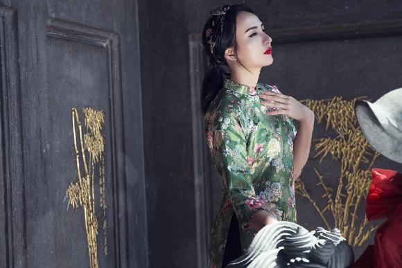 Hoa hậu Ngọc Diễm diện style ấn tượng dạo phố đầu năm mới ảnh 7