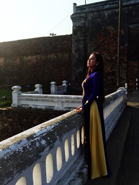 MC Kim Trang khoe vẻ đẹp dịu dàng ở cố đô Huế ảnh 3