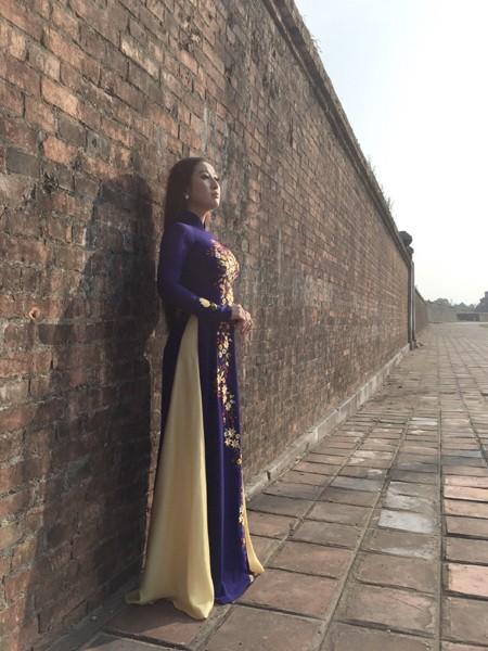 MC Kim Trang khoe vẻ đẹp dịu dàng ở cố đô Huế ảnh 4
