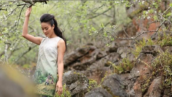 Choáng ngợp mùa xuân vùng cao trong thiết kế của Vũ Việt Hà ảnh 2