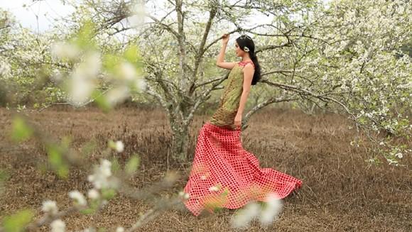 Choáng ngợp mùa xuân vùng cao trong thiết kế của Vũ Việt Hà ảnh 4