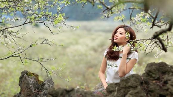 Choáng ngợp mùa xuân vùng cao trong thiết kế của Vũ Việt Hà ảnh 1
