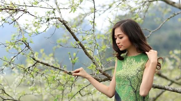 Choáng ngợp mùa xuân vùng cao trong thiết kế của Vũ Việt Hà ảnh 6