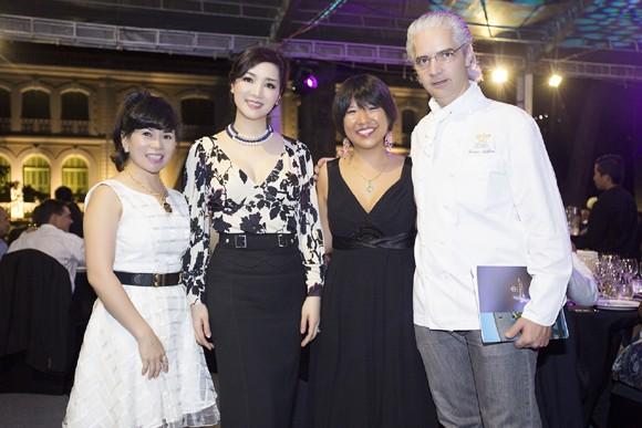 Hoa hậu Giáng My sang trọng dự tiệc mời của Lãnh sự quán Pháp ảnh 5