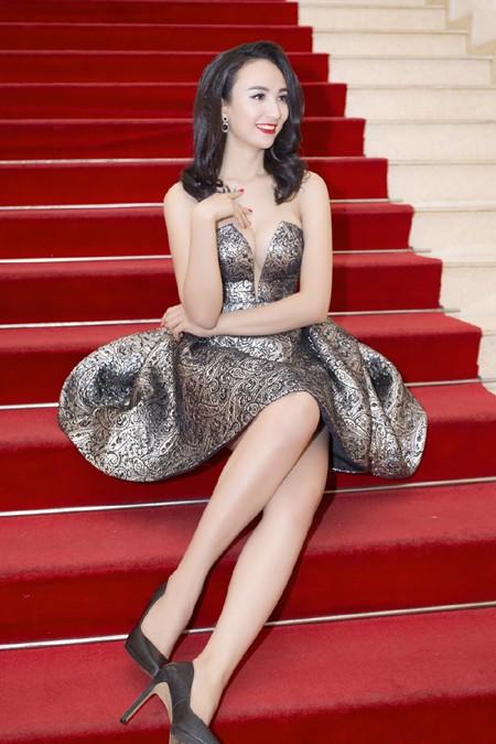Hoa hậu Ngọc Diễm diện váy sành điệu khoe vòng 1 gợi cảm ảnh 6