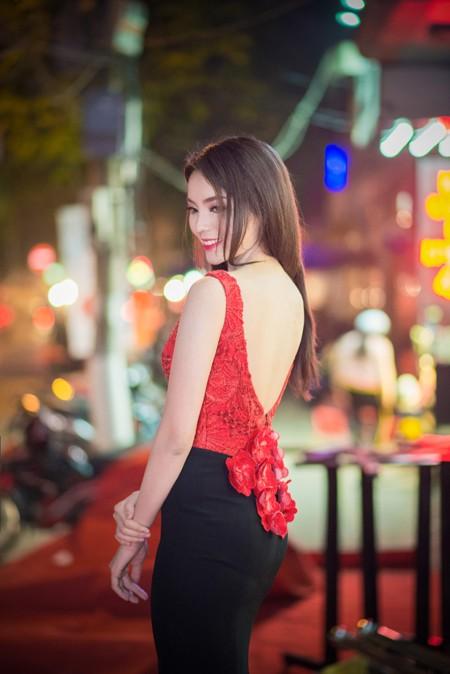 """Hoa hậu Kỳ Duyên """"lu mờ"""" trước đàn chị Ngọc Hân ảnh 5"""