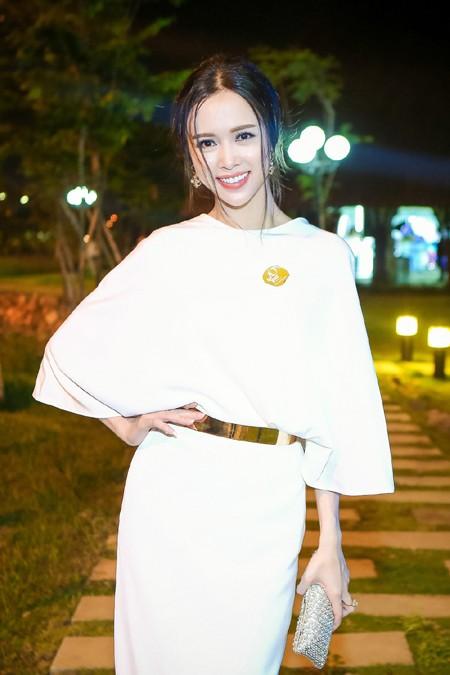 Vũ Ngọc Anh bất ngờ vì được ví như Chương Tử Di của Việt Nam ảnh 8