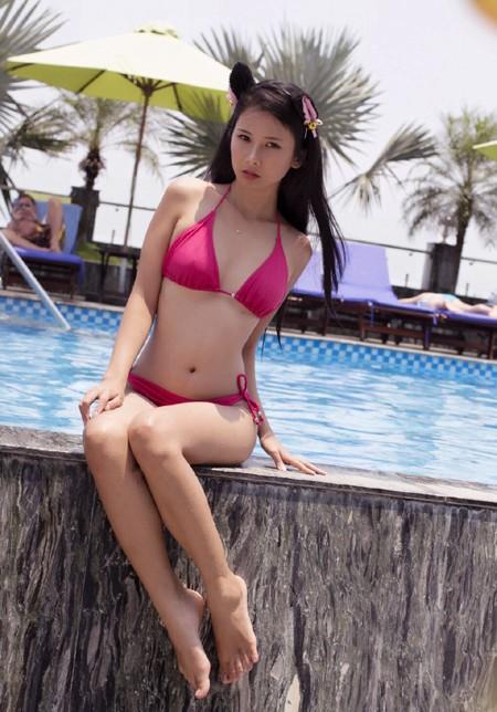 """Người mẫu Xuân Thuỳ """"làm mát"""" bằng bikini gợi cảm ảnh 3"""
