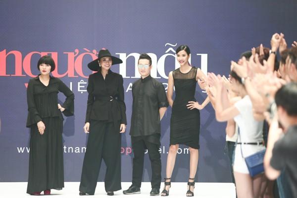 """Thanh Hằng diện nguyên """"cây"""" hàng hiệu chấm thi Next Top Model tại Hà Nội ảnh 2"""