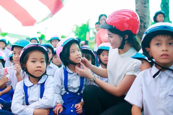 Hoa hậu Kỳ Duyên diễn hài cùng Xuân Bắc, Tự Long ảnh 7