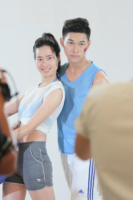 Đột nhập vòng thi tạo dáng trước ống kính của Vietnam's Next Top Model 2015 ảnh 2