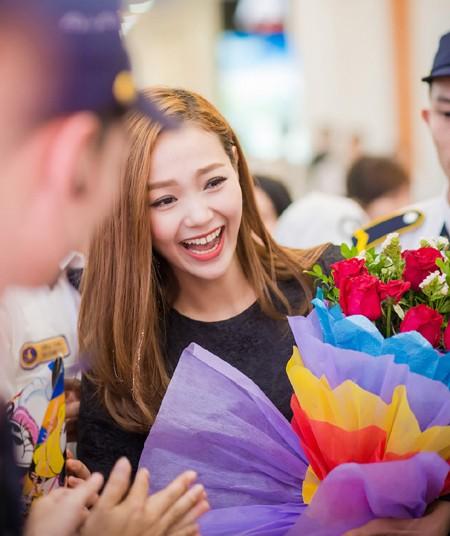 Minh Hằng suýt bật khóc khi được fan Thủ đô tổ chức sinh nhật ảnh 5