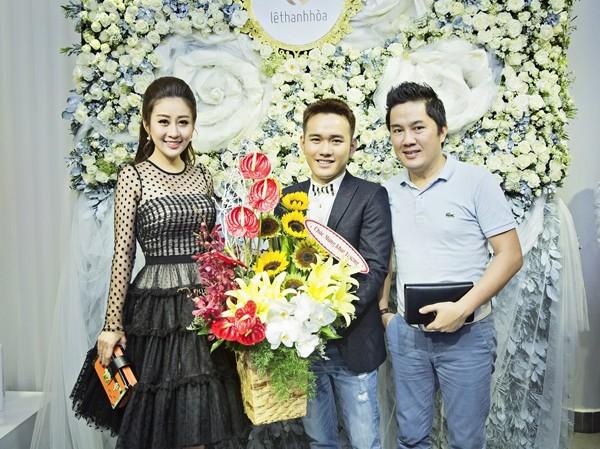 MC Kim Trang rạng ngời cùng bầu Hoà dự tiệc thời trang ảnh 2