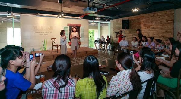 Hoa hậu Kỳ Duyên ngại ngùng trước màn tỏ tình của fan ảnh 1
