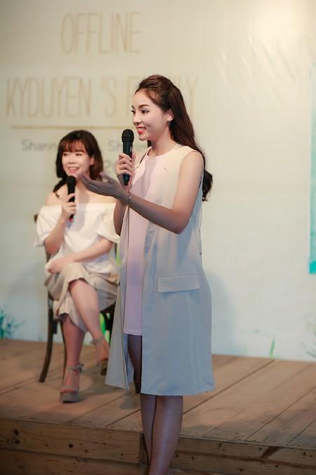 Hoa hậu Kỳ Duyên ngại ngùng trước màn tỏ tình của fan ảnh 2
