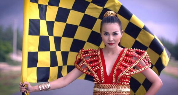 """Thanh Hằng khai màn ấn tượng cuộc đua """"nghẹt thở"""" của Vietnam's Next Top Model 2015 ảnh 1"""