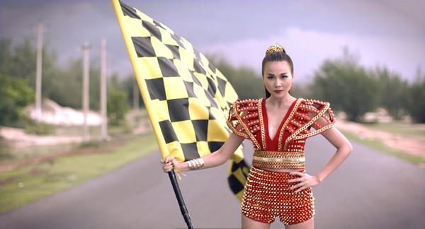 """Thanh Hằng khai màn ấn tượng cuộc đua """"nghẹt thở"""" của Vietnam's Next Top Model 2015 ảnh 8"""
