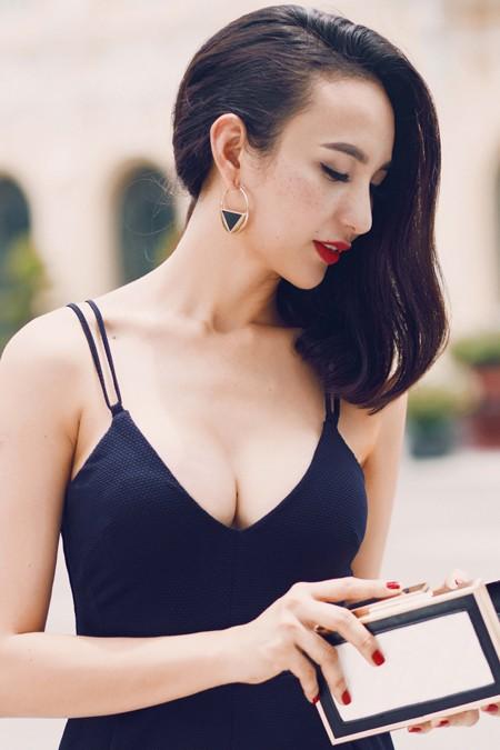 Hoa hậu Ngọc Diễm khoe eo thon ngực đầy gợi cảm ảnh 6