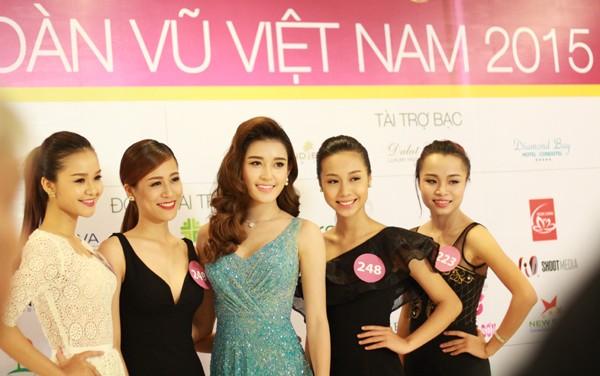 Hoa hậu Hoàn vũ Việt Nam 2015: Hoàn tất lựa chọn 70 thí sinh vào bán kết ảnh 1