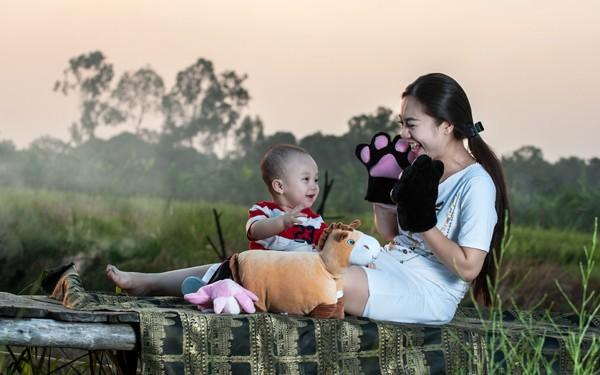 """""""Cô gái vàng"""" của Bellydance Việt Nam khoe ảnh hạnh phúc bên con trai ảnh 3"""