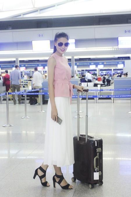 """Chà Mi nối gót """"đàn chị"""" sang Milan chinh phục sàn diễn thời trang quốc tế ảnh 6"""