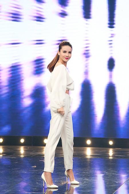 Yến Trang bất ngờ kết hôn cùng Trịnh Tú Trung? ảnh 2
