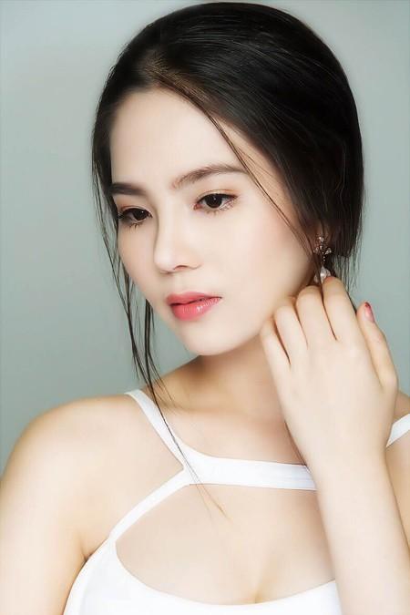 Cận cảnh vẻ đẹp mong manh của Á hoàng sắc đẹp Dương Kim Ánh ảnh 6