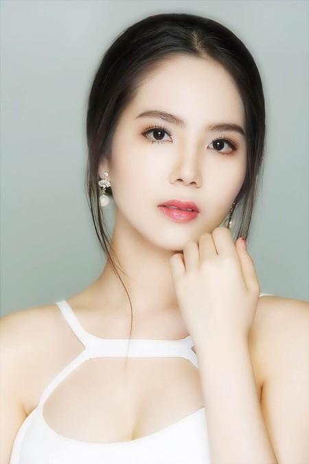 Cận cảnh vẻ đẹp mong manh của Á hoàng sắc đẹp Dương Kim Ánh ảnh 8